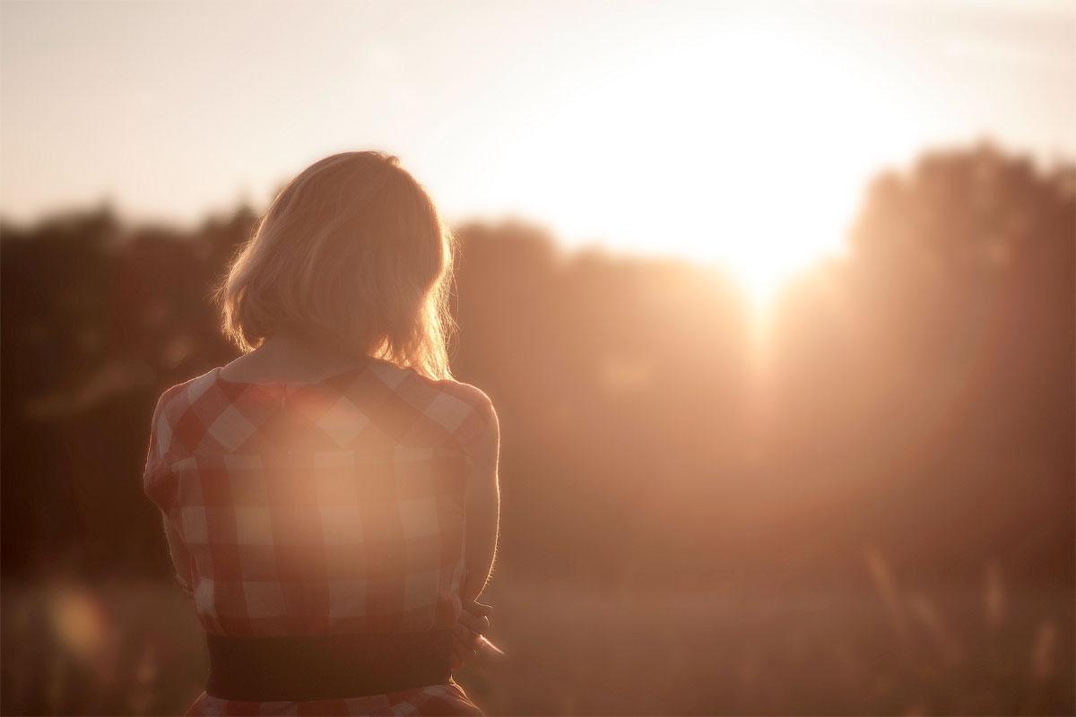 © Sunset Girl
